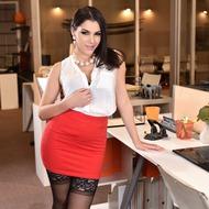 Valentina Nappi Gets Fucked In The Office-00
