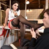 Valentina Nappi Gets Fucked In The Office-05