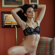 Hot Ardelia Takes Off Her Sexy Lingerie-04