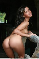 Lovely babe Laila showing her amazing naked ass -07